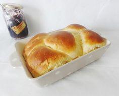 brioche-moelleuse-christophe-michalak On peut remplacer le lait par du lait de soja et l'huile par un mélange beurre végétal/huile de coco