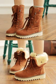 - Cool casual foldable desert boots for the stylish woman - Can wear it as a high-top or fold down as a low-top for 2 unique looks - Cotton fur interior to keep your feet warm and cozy - Made from PU