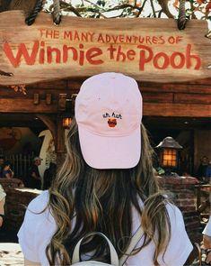 Winnie The Pooh - Disney Disney College, Disney Day, Cute Disney, Disney Style, Disney Magic, Disney Pixar, Walt Disney, Disney Shirts, Disney Outfits