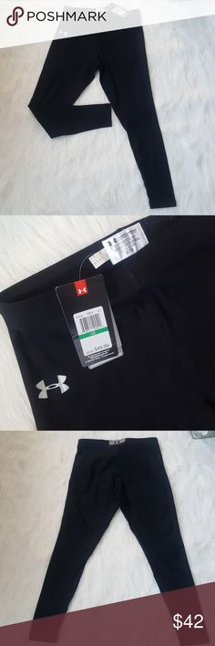 Under Armour compression pants sz Large NWT NWT compreasion pants sz Large. Never used. Please see photos for approximate flat lay measurements. And don't forget take a look at everything in my closet too! Happy Poshing! 😊♥️🎈🎶🍎 Under Armour Pants