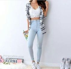 ef18f7010 black crop top instead of white Jean Outfits, Casual Outfits, Cute Outfits,  Jeggings