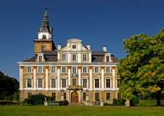 Roztoka it's the biggest baroque palace in Poland / Palace for sale.