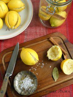 Chilli, czosnek i oliwa - blog o kuchni śródziemnomorskiej: Robimy marokańskie kiszone cytryny!