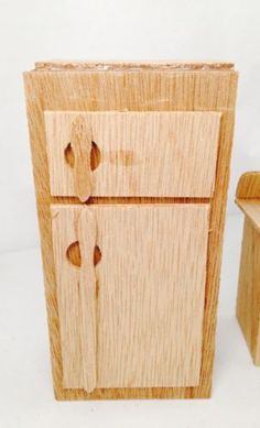 Greenleaf Dollhouse Furniture Kit For Kitchen   Partially Assembled