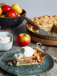 Høstens eplepai  #pai #pie #epler #eplepai #apples #applepie #frukt #fruity #matmedfrukt #fruktig #oppskrift #recipe #enkel #easy Let Them Eat Cake, Camembert Cheese, Dairy, Dessert, Cakes, Food, Meal, Cake, Eten