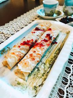 Clătite Fresh Rolls, Pancakes, Ethnic Recipes, Food, Essen, Pancake, Meals, Yemek, Eten