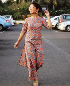 Image may contain: one or more people, people standing and outdoor - Kurta Designs Women, Salwar Designs, Kurti Neck Designs, Kurti Designs Party Wear, Blouse Designs, Indian Attire, Indian Wear, Casual Dress Outfits, Fall Outfits