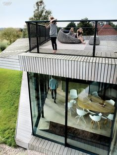 House by UNStudio Embraces the Dutch Landscape