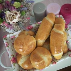 Hrnčekové žemle upečené za 20 minút - Receptik.sk Hot Dog Buns, Bread, Baking, Recipes, Instagram, Food, Brot, Bakken, Recipies