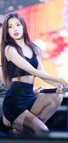 #arin Iu Short Hair, Girls Channel, Arin Oh My Girl, Cute Girl Photo, Girl Body, Korean Actresses, Cosplay, Beautiful Asian Girls, Ulzzang Girl