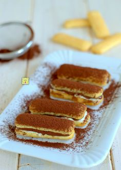 Pavesini nutella and mascarpone, quick and easy, without cooking - Dessert Recipes No Cook Desserts, Italian Desserts, Just Desserts, Delicious Desserts, Dessert Recipes, Cupcakes, Cupcake Cakes, Lemon Curd Cheesecake, Cake Pops