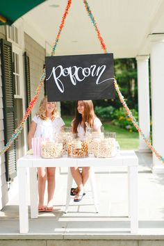 Photography: Ruth Eileen - rutheileenphotography.com  Read More: http://www.stylemepretty.com/living/2014/09/11/diy-balloon-arch/