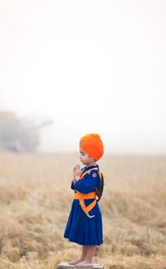 Beautiful #Sikh child in meditation...