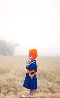 Beautiful #Sikh child in meditation...