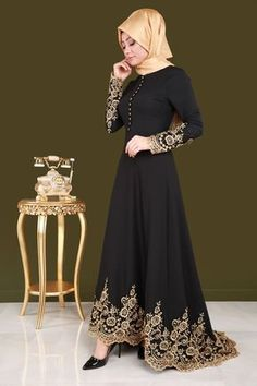 Muslim fashion with Black Long Hijab. Muslim fashion with Black Long Hijab. Hijab Evening Dress, Black Evening Dresses, Hijab Dress, Abaya Fashion, Fashion Dresses, Modest Fashion, Fashion Fashion, Fashion Muslimah, Fashion Black