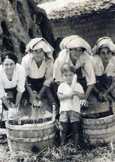 Corfu Greece, Greek History, Greeks, Islands, Old Navy, Winter Hats, Vintage, Vintage Comics