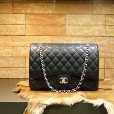 Chanel handbag jumbo (black) caviar