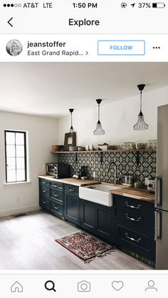 Uplifting Kitchen Remodeling Choosing Your New Kitchen Cabinets Ideas. Delightful Kitchen Remodeling Choosing Your New Kitchen Cabinets Ideas. Black Kitchen Cabinets, Painting Kitchen Cabinets, Black Kitchens, Kitchen Tiles, Cool Kitchens, Kitchen Island, Diy Cabinets, Island Bar, Kitchen Without Island