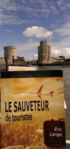 « Le Sauveteur de touristes » à La Rochelle. Merci à Frédéric pour la photo.