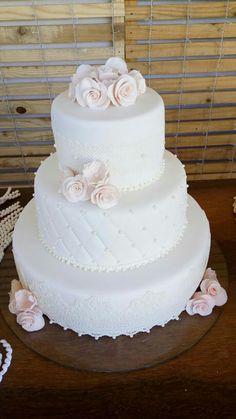 Bolo de casamento Bolo Fake, Wedding Cakes, Desserts, Food, Sweets, Tailgate Desserts, Meal, Wedding Pie Table, Dessert