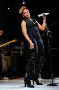 Mary J. Blige - Hope Help & Relief Haiti A Night Of Humanity - Inside blackwomeninboots.blogspot.com