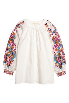 Wide, round-necked blouse in a cotton weave with embroidery, partially concealed buttons down the front and long, wide, cuffed balloon sleeves with embroide