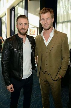 Chris Evans and Chris Hemsworth make one superhot pair! Can you even handle those baby blues? So. Handsome.