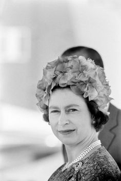 vintage everyday: Queen Elizabeth II - Rare Photos of England's Monarch