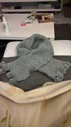 Image - Echarpe grise à pompons pour Cindy - Blog de loisirs-creatifs39 - Skyrock.com