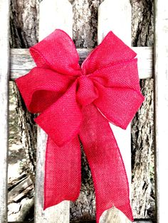 Red burlap Wreath Bow rustic country Chair by ilPiccoloGiardino