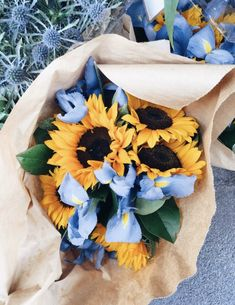 simply beautiful flowers and events houston My Flower, Wild Flowers, Beautiful Flowers, Sunflower Flower, Flowers Nature, Yellow Flowers, Simply Beautiful, Deco Floral, Flower Aesthetic