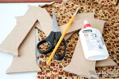 Como fazer letra de alfabeto forrado com tecido gastando pouco {DIY}