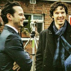 Benedict Cumberbatch Andrew Scott Sherlock setlock looks like TRF or TEH Adorable! Sherlock Bbc, Benedict Cumberbatch Sherlock, Watson Sherlock, Sherlock Quotes, Johnlock, Martin Freeman, Sherlock Merchandise, Detective, James Moriarty