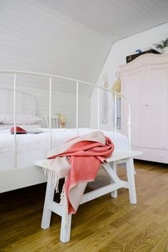 A New Bedspread – The Yvestown Blog