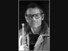 Chet Baker - trumpet player and vocalist extraordinaire Jazz Artists, Jazz Musicians, Music Icon, Music Songs, Music Videos, Chet Baker, All That Jazz, Smooth Jazz, Black And White