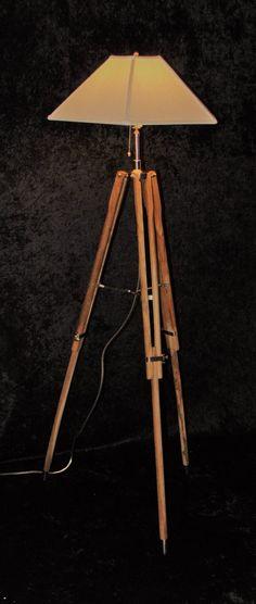 Les 25 meilleures idées de la catégorie Lampadaire en bois ...