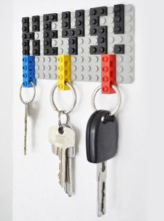 Did you love Legos as kid? Do you still love Legos? Do you loose your keys all the time? Then you will LOVE this! Lego key holder #geek #diy #keys #agility
