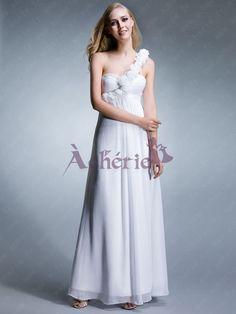 Vous cherchez une robe de soirée comme la déesse ? Cette robe de soirée blanche en chiffon est un bon choix. Avec un protège-fleurs, et un décolleté chérie, cette robe est glamour et classique. Vous pouvez également choisir d'autres couleurs que vous aimez dans notre carte de couleur.