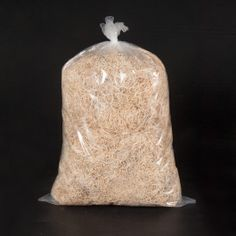 VIRUTA DE MADERA La Viruta de Madera es un producto natural que proviene de la madera. Perfecta para embalaje, envíos o para decorar cestas. Puede reciclarse. 1 kg. #VirutadeMadera #VirutaparaEmbalaje #RellenoparaEmbalaje #RellenoparaRegalos #RellenoparaCajas #WoodWool