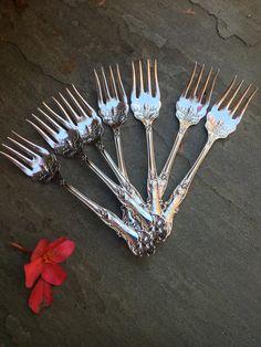 Three 3 WM Rogers Magnolia Silverplate Dinner Forks No Mono