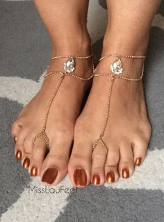 Seeking Arrangement With Rich Sugar Daddies & Beautiful Sugar Babies Pretty Toe Nails, Pretty Toes, Feet Soles, Women's Feet, Pies Sexy, Long Toenails, Nice Toes, Foot Pics, Beautiful Toes