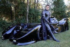 コスプレを超えたコスプレ!バットマンを愛しすぎた男性が自作したバットモービルの完成度が高すぎる – CuRAZY