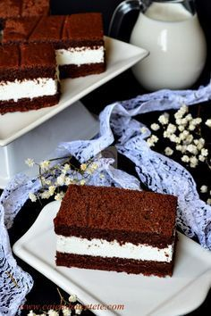 Raspberry Chocolate Layer Cake - layers of moist chocolate cake, chocolate ganache and raspberry filling! Sweet Recipes, Cake Recipes, Snack Recipes, Dessert Recipes, Easy Desserts, Delicious Desserts, Yummy Food, Romanian Desserts, Cooking Cake