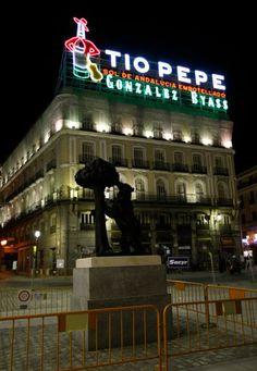 Luminoso Tio Pepe vuelve a Madrid Spain