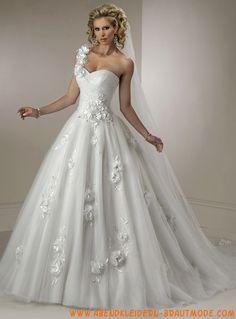 Luxuriöse Brautkleider mit Spitze aus Softnetz Applikation mit Schleppe