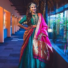 Being a Maharashtrian and wanting to have the 'Paithani saree' as part of her trousseau, bride Dipti paired a green silk lehenga with a fuchsia paithani dupatta. Dress Indian Style, Indian Wear, Indian Outfits, Lehenga Designs, Designer Lehnga Choli, Bandana Design, Bridal Lehenga Collection, Mother Daughter Outfits, Sari Dress