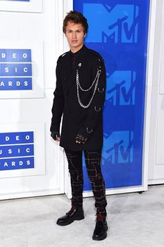 The award for fashion-forward celebrity goes to actor Ansel Elgort who went for a punk jacket with chains and a pair of rebellious pants. His futuristic / gothic style was definitely on the wild side and made for a great red carpet look alternative.