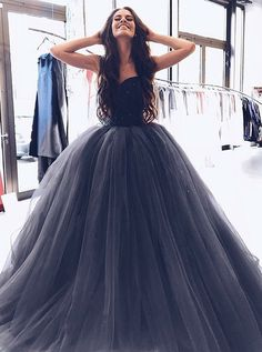 Gorgeous Ball Gown Evening Dress Sweetheart Long Prom Dresses Grey Tulle Prom Dress with Beading Cheap Gowns#2018PromDresses #PromDressesLace #LongPromDresses#PartyDress#EveningDress#dress#dresses#CheapPromDress#GraduationDress