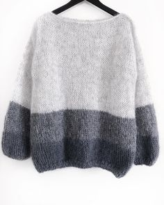 Jungen Vintage Pullover, beautiful knit sweater pattern is inspired by a style worn by women supporting the troops by w Chunky Knit Cardigan, Loose Knit Sweaters, Mohair Sweater, Sweater Knitting Patterns, Hand Knitting, Sweater Fashion, Pulls, Knitwear, Knit Crochet