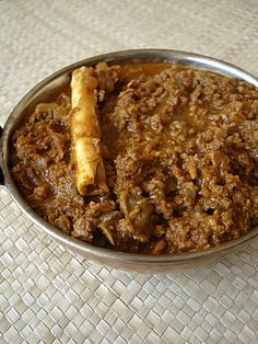 We had a guest for lunch today. He is extremely fond of kheema curry that I prepare and had requested for it. This kheema curry that I am featuring today is a standard one. Keema Recipes, Andhra Recipes, Lamb Recipes, Spicy Recipes, Curry Recipes, Indian Food Recipes, Cooking Recipes, Chicken Recipes, Sausage Recipes